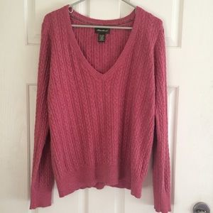 Eddie Bauer rose cable knit vneck sweater